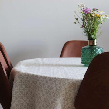 Hiiumaa kaheksakanna mustriga laudlina Loko